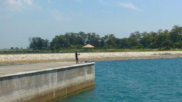 Lion Islands Hoping starting at St. John Island Singapore
