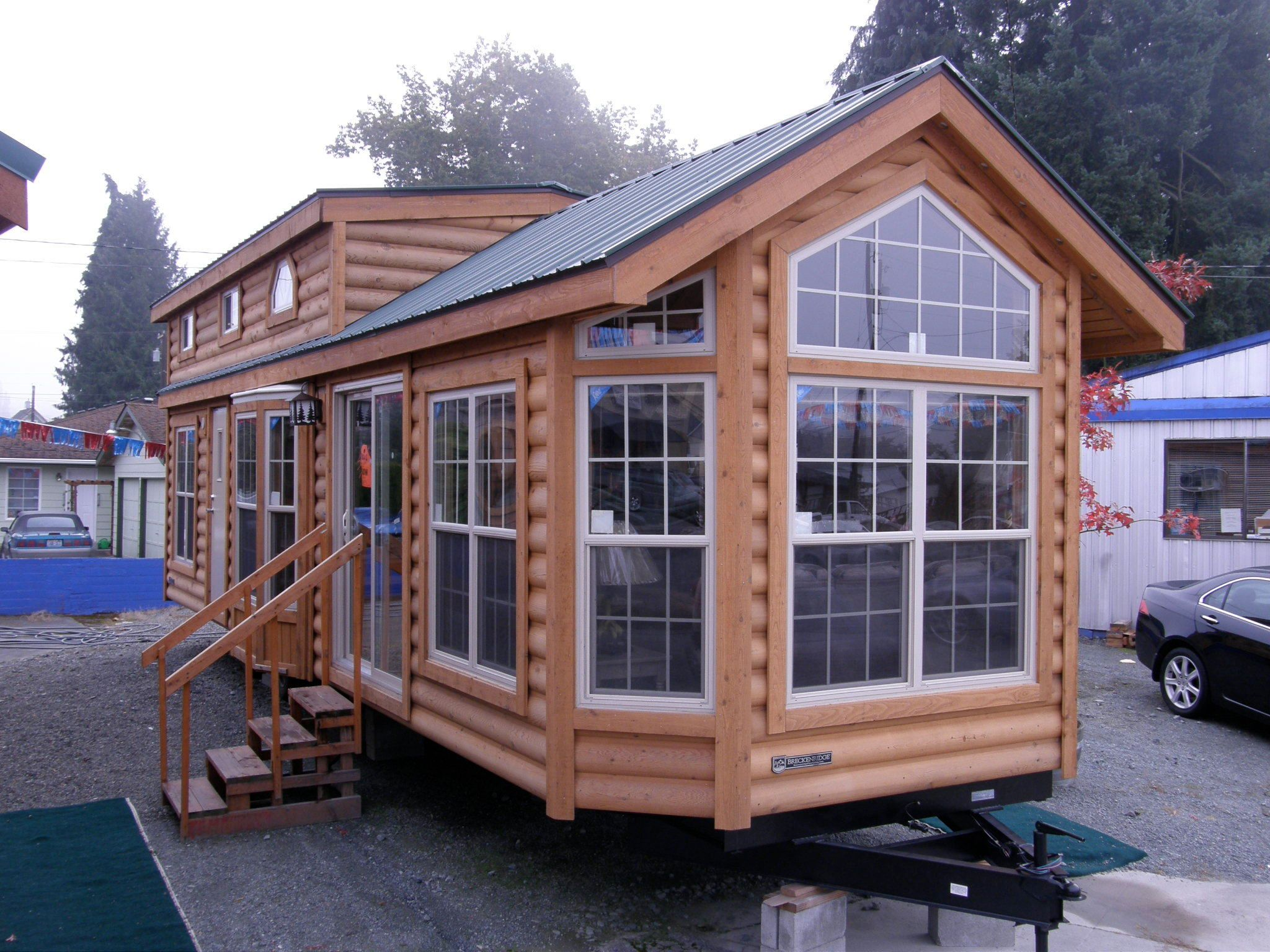 Tiny houses on wheels for Little house