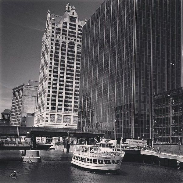 Our Lunch & Learn Milwaukee Cruise Vessel, the Vista King, near the dock in the heart of Downtown Milwaukee