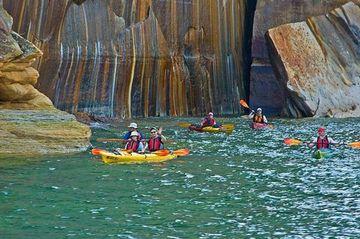 August Kayaking At Pictured Rock Upper Penninsula Michigan Adventurers Club Farmington Mi