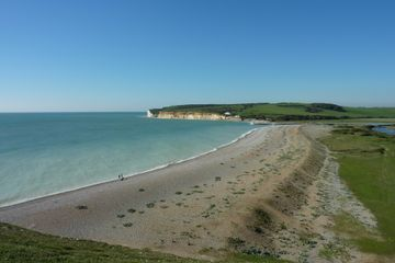 how to get to seven sisters cliffs from london